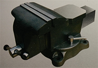 light duty american bench vise three side machined swivel base with anvil