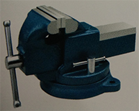 light duty bench vise swivel without anvil